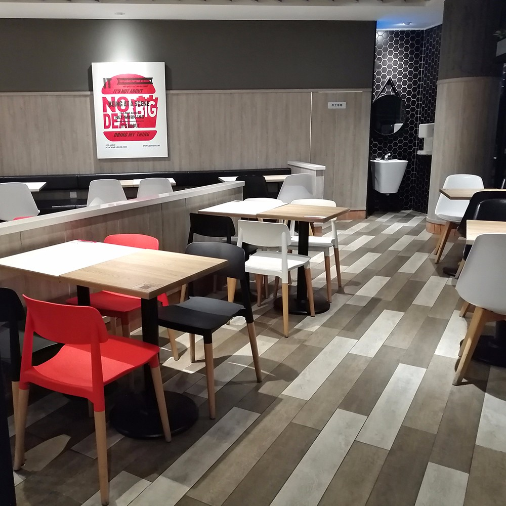 Uptop Furnishings-Best Restaurant Tables And Chairs And Plastic Chair Factory   Case-3