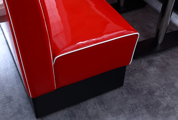 Uptop Furnishings-Custom Retro Table And Chairs Manufacturer | Retro Chairs-6